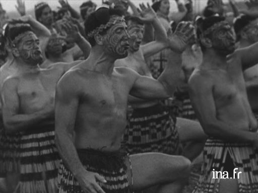 Queen Elizabeth visits the Māori