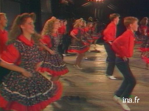 Folk dance in Confolens: American clogging