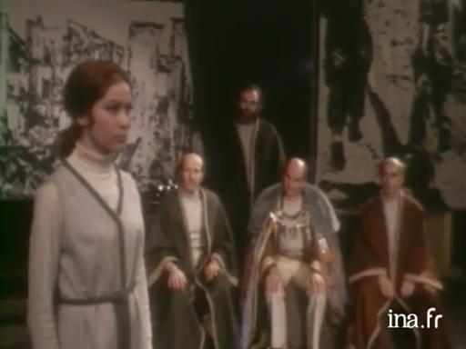 <i>Antigone</i> de Brecht, mis en scène par Jean-Pierre Miquel
