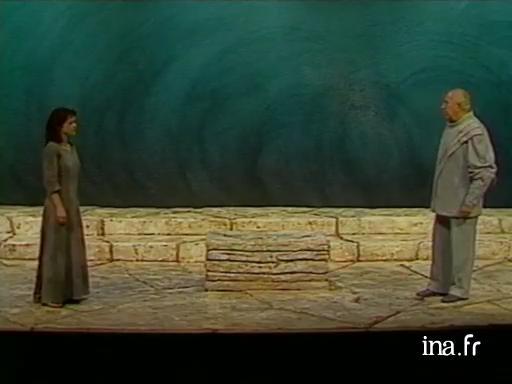 En sc  nes   le spectacle vivant en vid  o  Antigone d