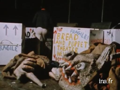 Le Bread and Puppet Theater