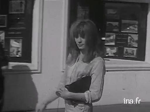 Françoise Dorléac and Nelly Benedetti on the subject of the film <i>The Soft Skin</i>
