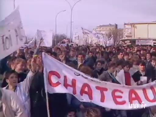 Manifestation d'étudiants contre le projet de réforme de l'enseignement |