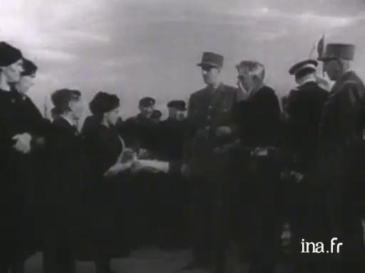 Hommage du général de Gaulle à l'Ile de Sein |