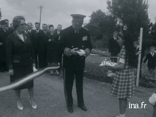 Inauguration d'un village de harkis à Saint-Avé [Muet] |